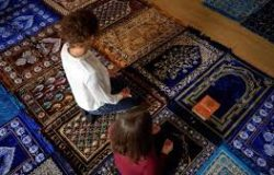 La première femme imame de France sur RMC: «Il faut que les hommes et les femmes aient exactement la même place dans la religion musulmane»